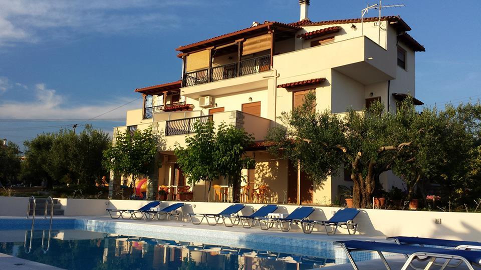 Decauville Hotel & Villa B